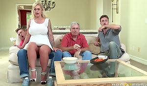 Brazzers - Ryan Conner - Milfs Like Drenching Big