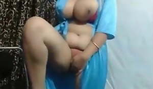Big boobs aunty dildo